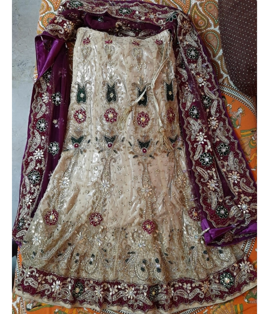 Bridal Lehanga with choli and latkan