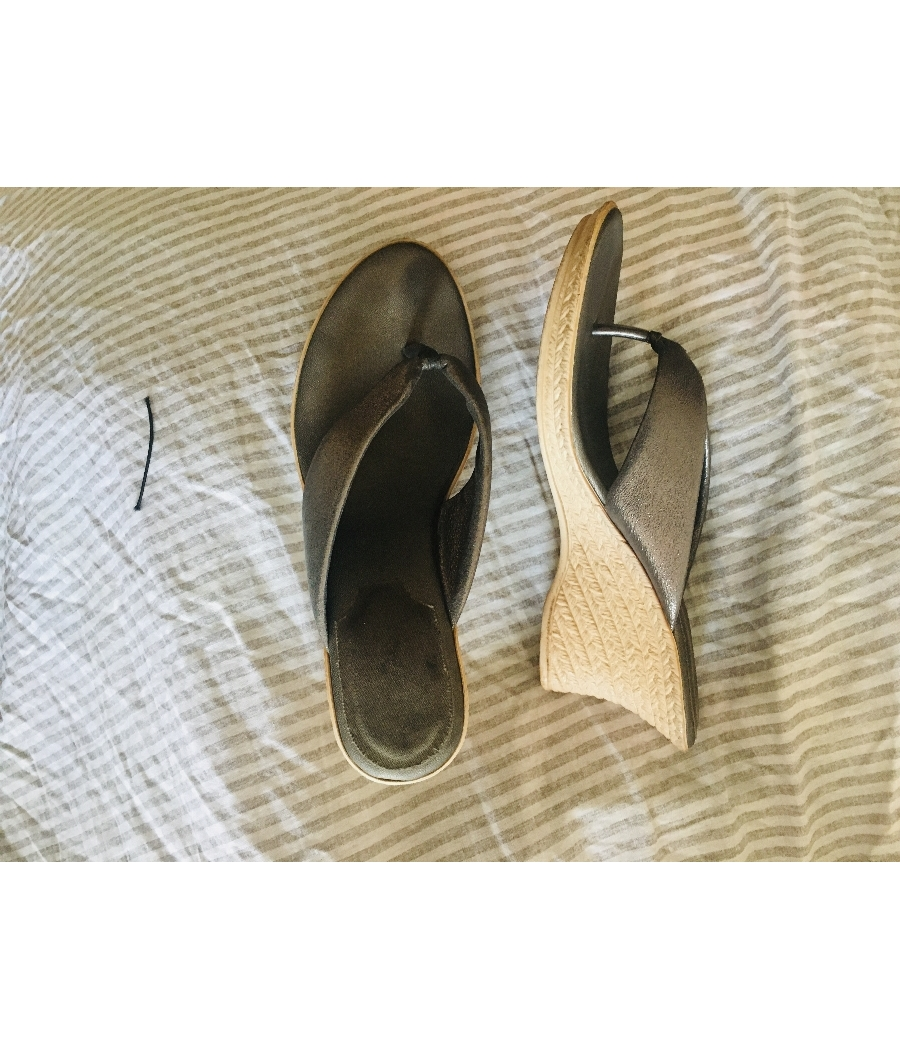 Metallic silver wedges sandal