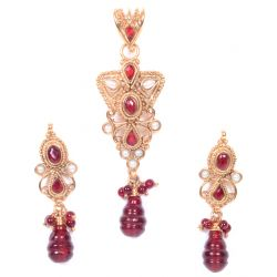 Etashee Certified Kundan Pendant Set