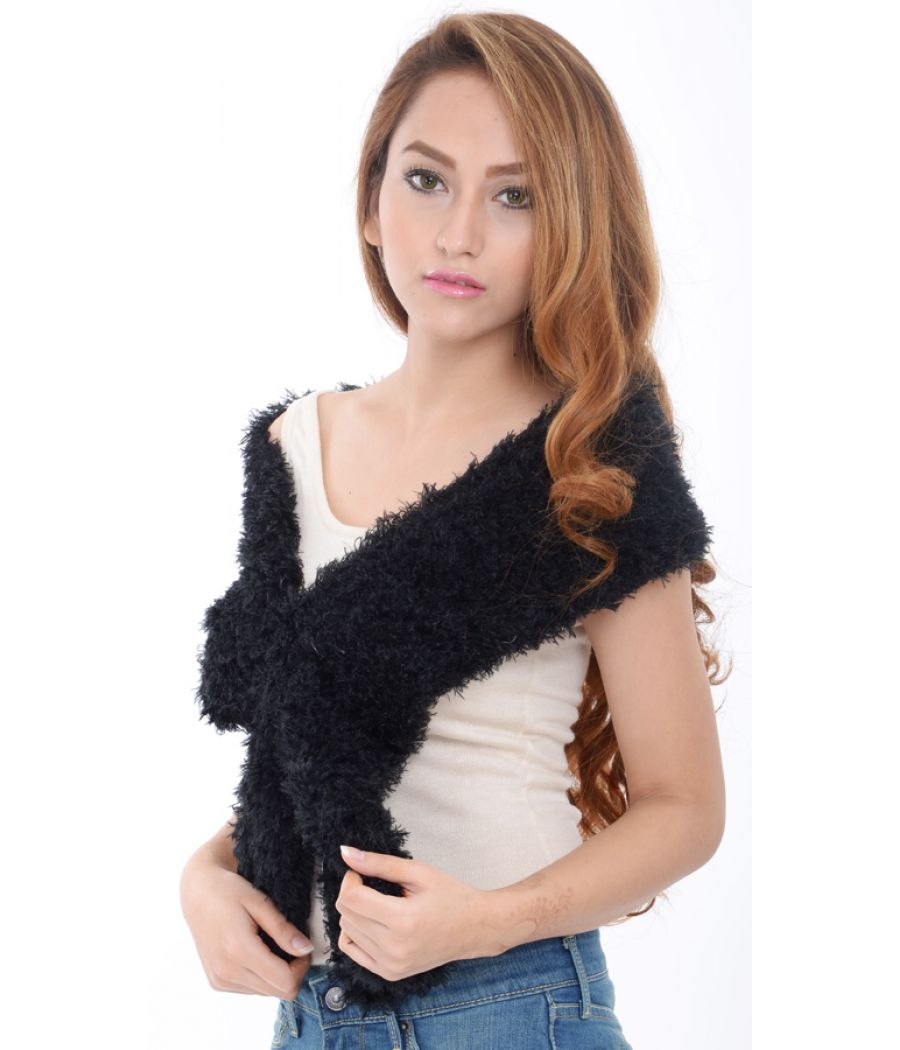 Estance Faux Fur Black Stole/Scarf