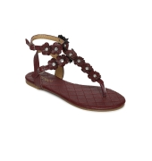 Estatos Maroon Buckle Closure Ankle Strap Open Toe Casual Flat Sandals