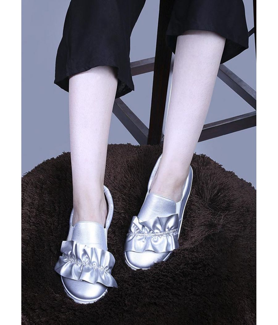 Estatos Leather Silver Coloured Broad Toe Sneakers