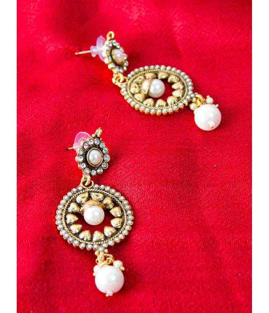 Golden Pearl Earring