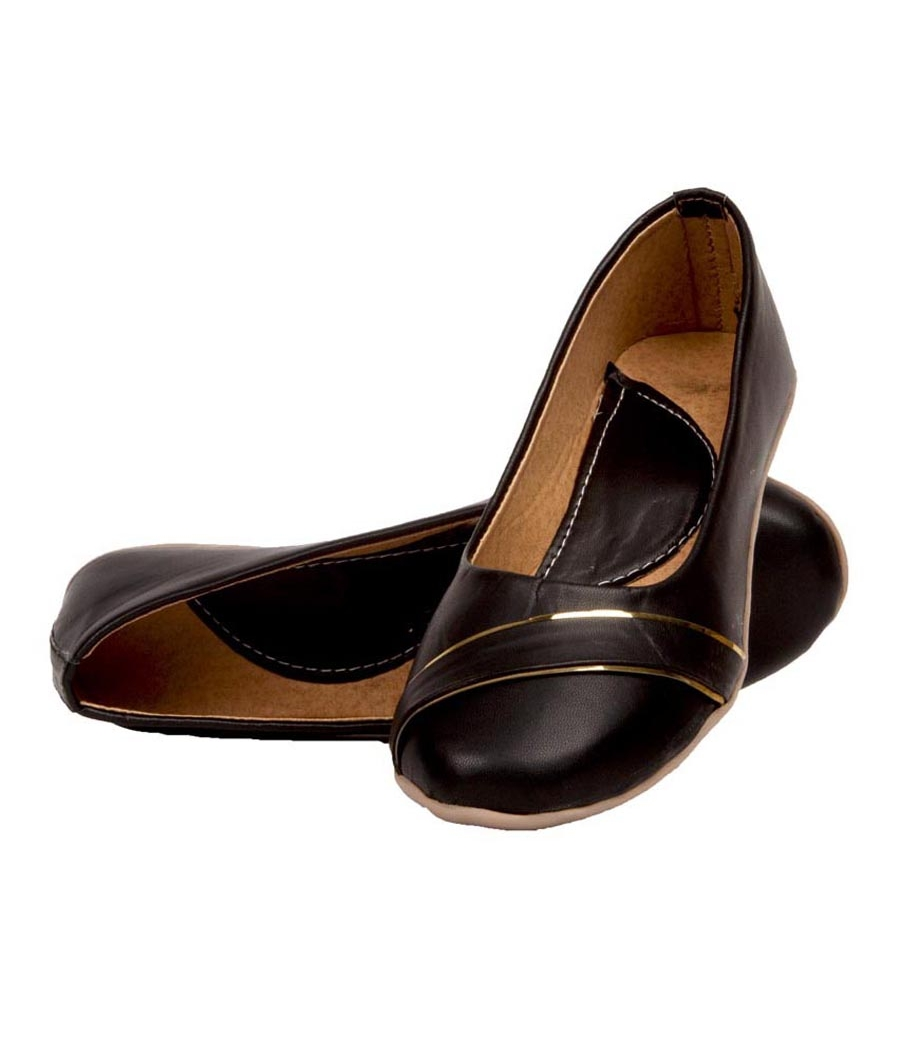 SLN Synthetic Leather Black Coloured Broad Toe Casual Bellies