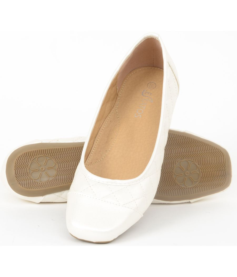 Estatos Synthetic Leather Quilted Flat Comfortable White bellerina/shoes